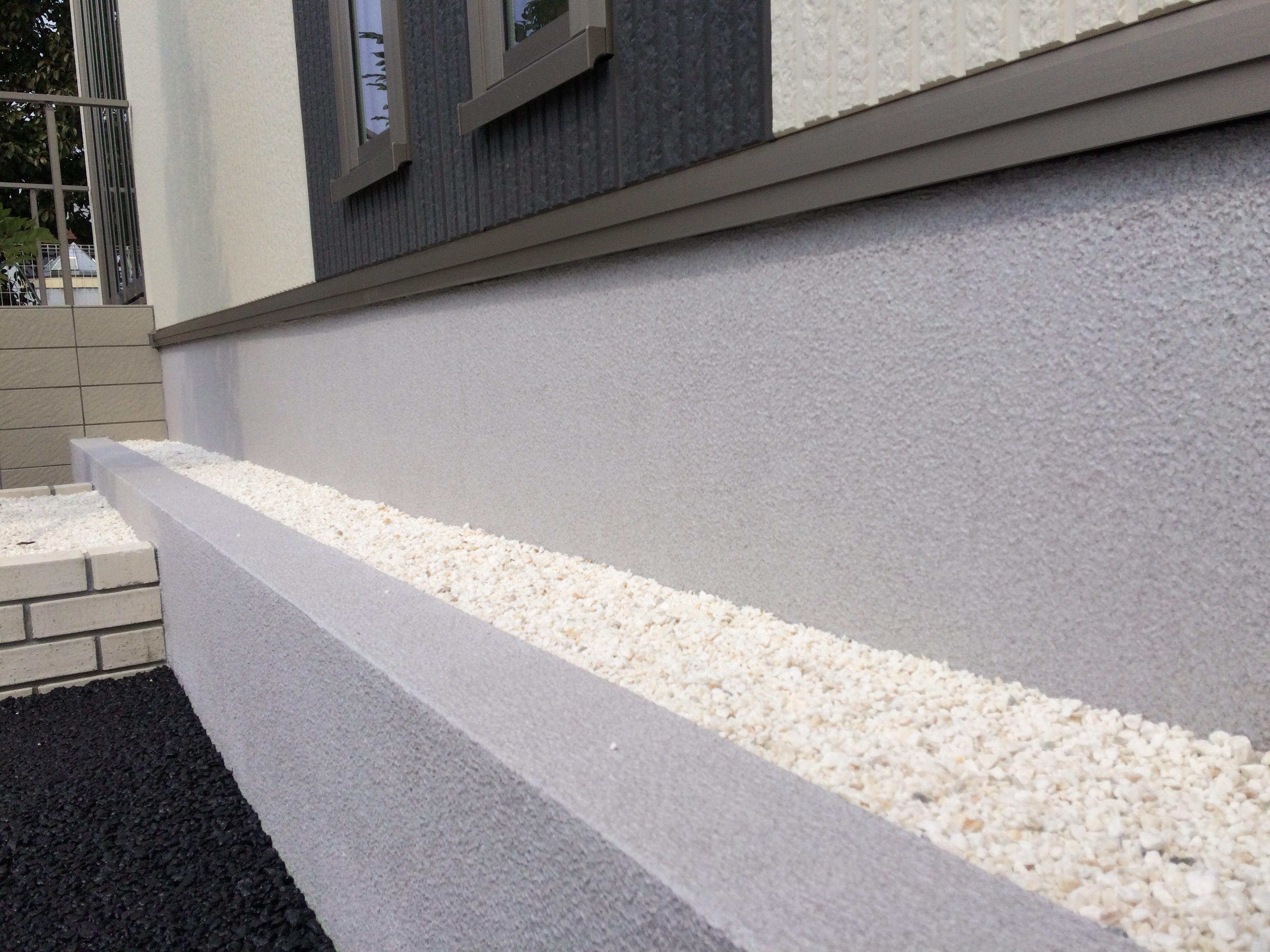 基礎幅木石材調模様塗装工事