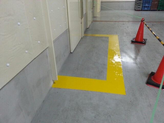 商業施設 ライン塗装工事