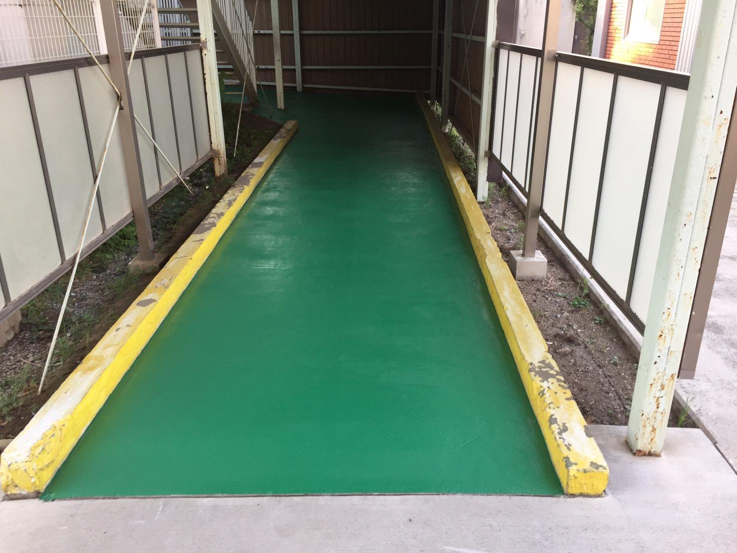 小学校 渡り廊下 防滑塗装工事
