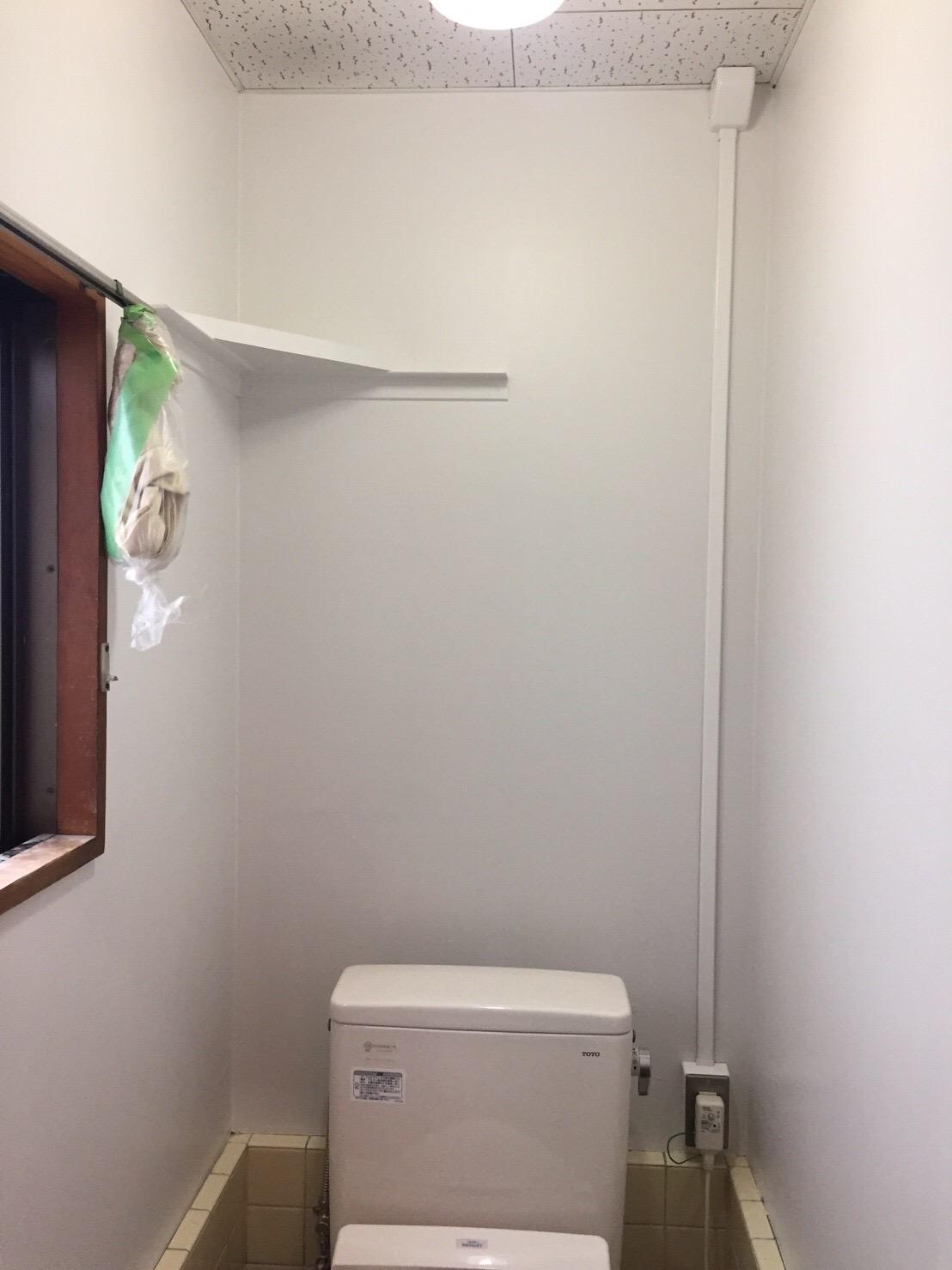 商業施設 トイレ内壁塗装工事