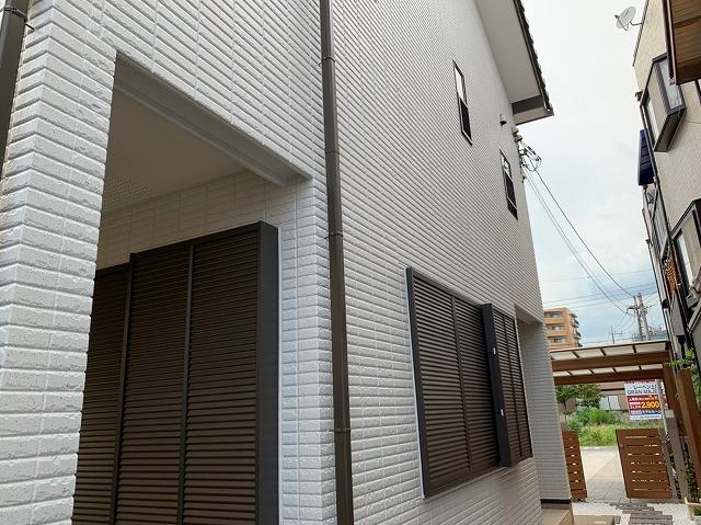 【塗替え塗装工事】戸建住宅多彩模様塗装